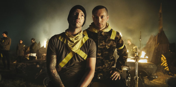 None -   Twenty One Pilots at The Forum 11/10