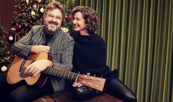 None - Amy Grant and Vince Gill: Christmas at The Ryman