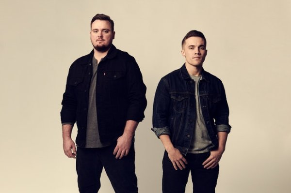 None -      102.5 The Bull presents Muscadine Bloodline | Iron City